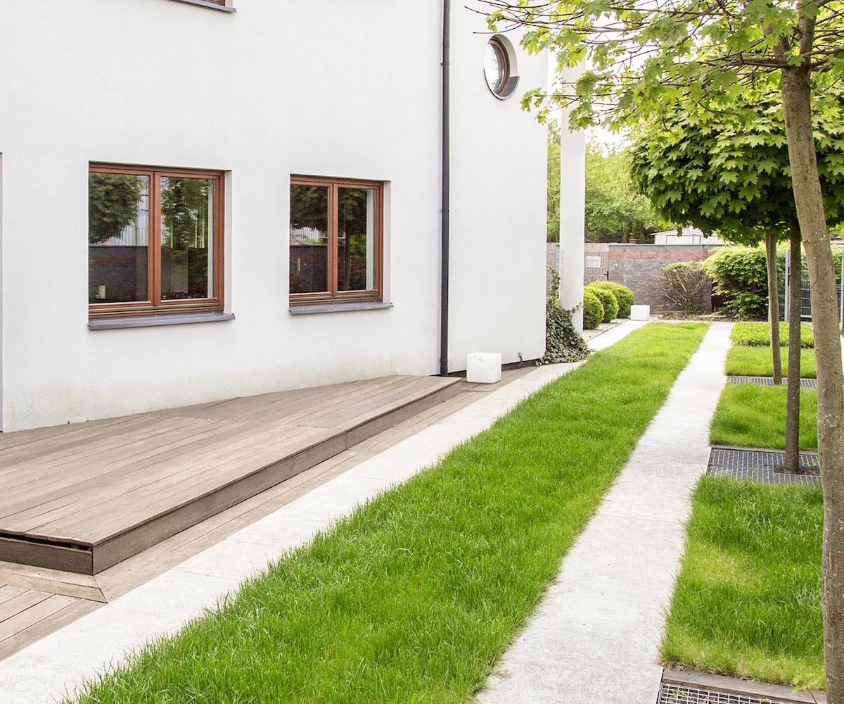 ogrody-magdy-mały-nowoczesny-ogród-przydomowy