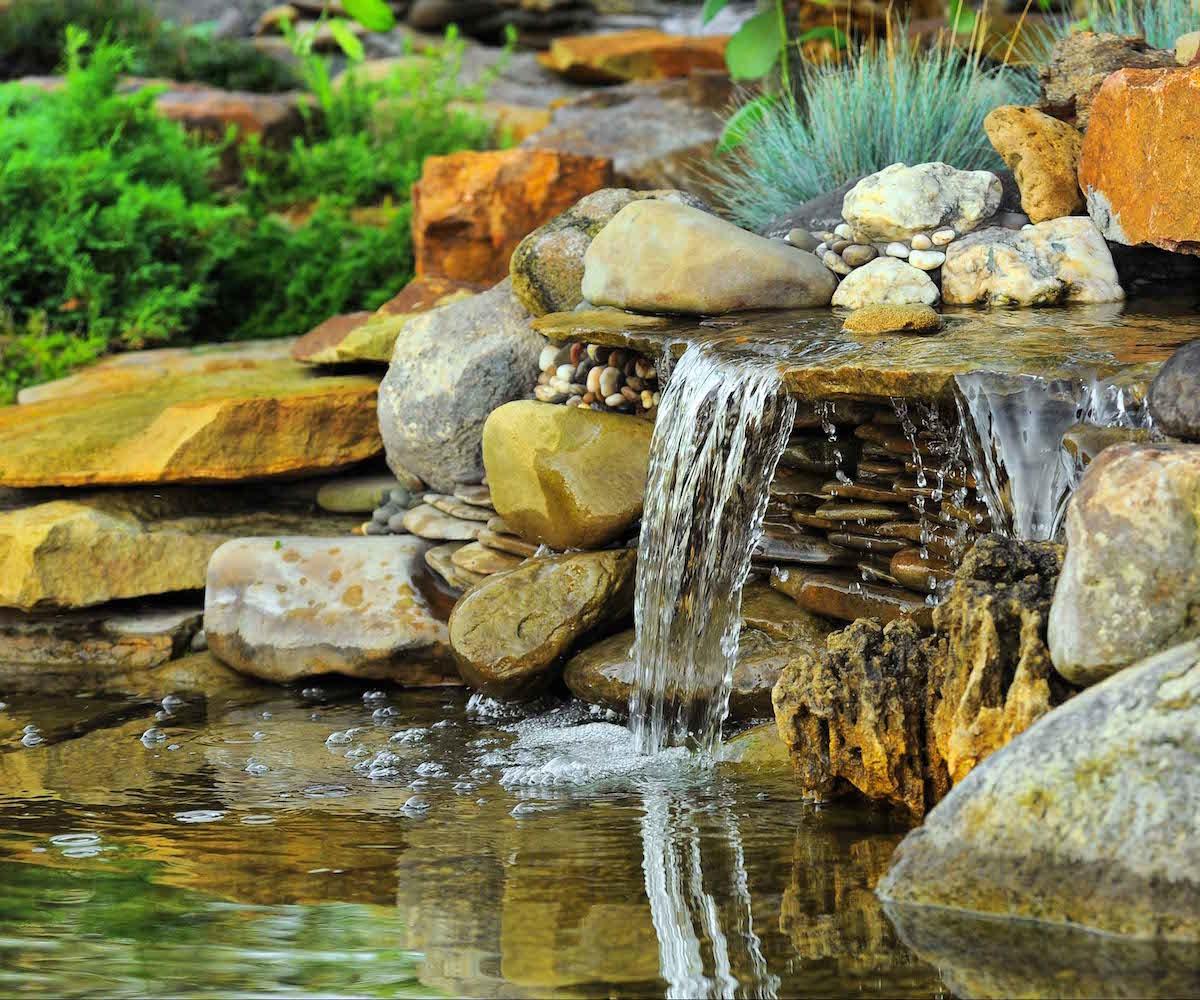 ogrody-magdy-kaskada-wodna-oczko-wodne